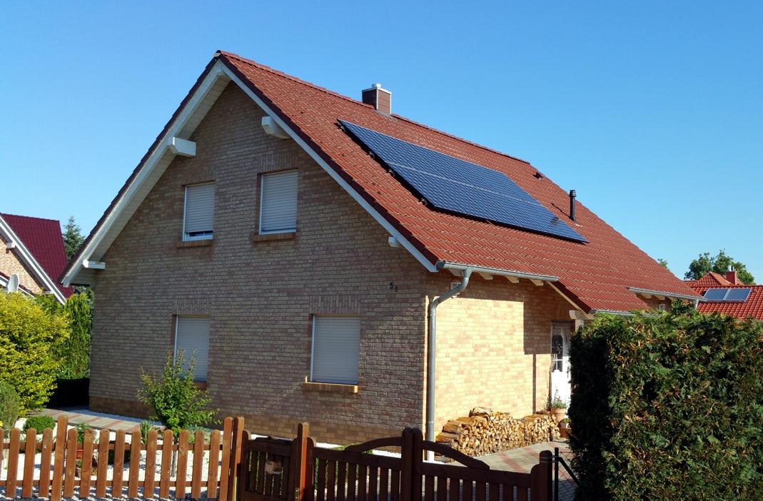 solaranlage photovoltaik in salzwedel felixstowestra e. Black Bedroom Furniture Sets. Home Design Ideas